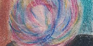 Zeichnung einer Blüte in Pastelltönen, entstanden in der Weiterbildung mit darstellendem Spiel, geleitet von Monika Timme.